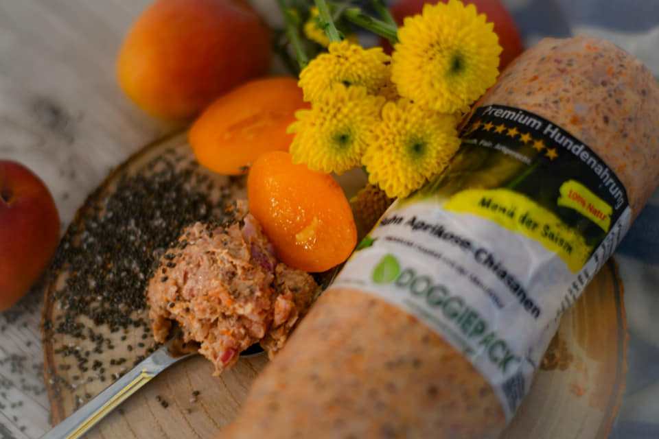 komplett-barf-menue-der-saison-huhn-mit-chiasamen